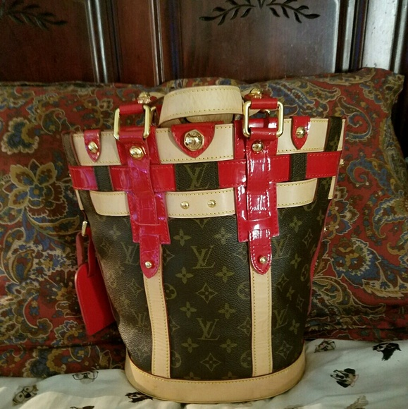 Louis Vuitton Handbags - SALE!! Ltd Ed Louis Vuitton Rubis Neo Bucket Tote f166dc77d8